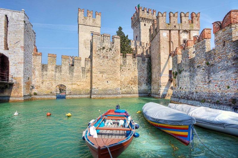 castello-sirmione-lago-di-garda_800x530
